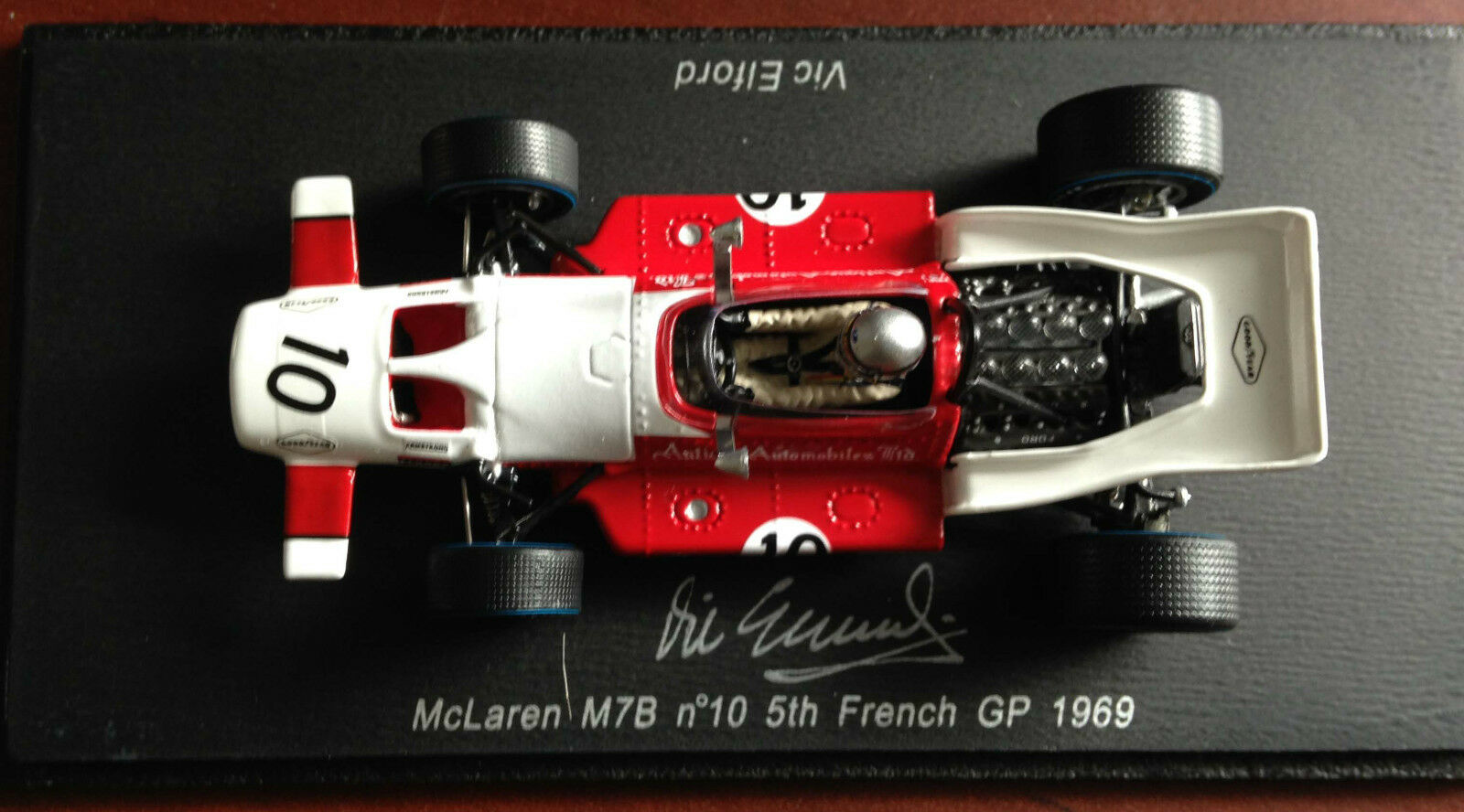 McLaren M7B - French GP 1969 Formula 1 SIGNED by VIC ELFORD Spark 1 43 Diecast