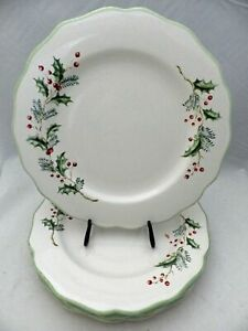 St-Nicholas-Square-Holly-Berry-pattern-set-lot-4-Dinner-plates-NEW-2008