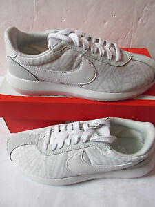 pretty nice a862a fac38 Image is loading nike-womens-roshe-LD-1000-KJCRD-trainers-819845-