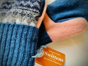 Jen-Ellis-Authentic-Bernie-Mittens-Brand-New-with-Tags-Blue-and-Pink-Swittens