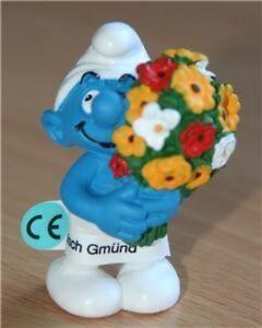 Smurfs Bouquet of Flowers Smurf