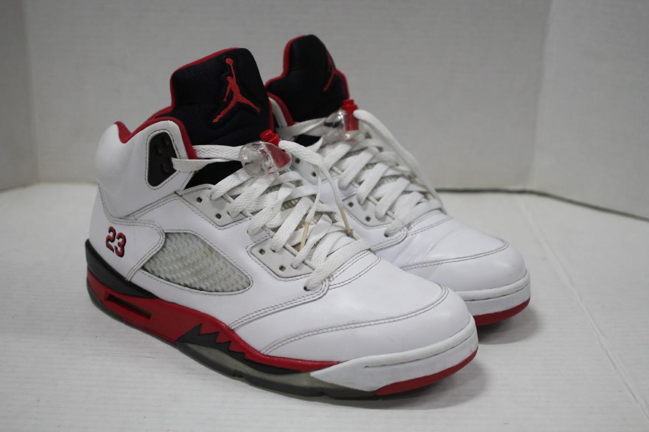 official photos c7eb5 fdea9 ... italy air blanco jordan v 5 retro blanco air rojo negro 2018 release  shoes 136027 120