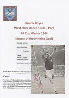 RONNIE BOYCE  WEST HAM UNITED 1960-1973 ORIGINAL SIGNED ANNUAL PICTURE CUTTING
