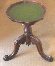 """Vino de mesa de caoba Eduardiano sobre base de piernas Tallada & más tarde Top GC 16.5""""H 11.5""""D"""