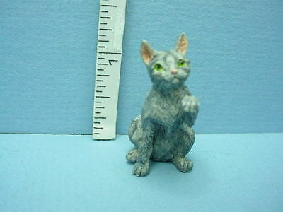 Miniature Cat  #A69G Gray /& White Falcon 1//12th Scale Resin Made