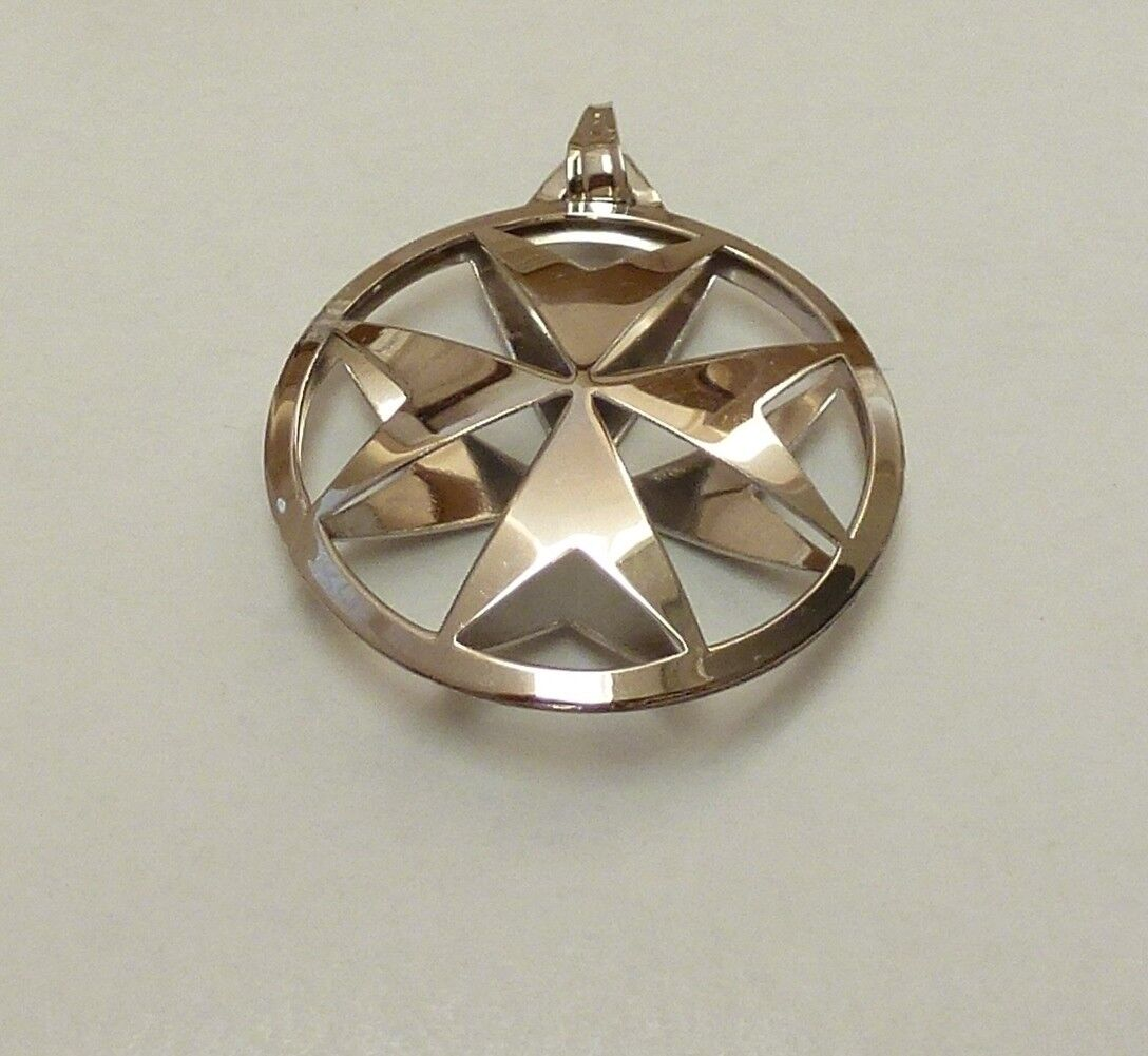 SC4936 5 Maltese Cross Charms Antique Silver Tone 2 Sided