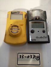 - LOT OF 2 GAS  DETECTOR  FOR PARTS (GAS CLIP/GAS BADGE PLUS)