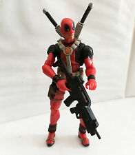 DEADPOOL RED VARIANT 3 w/CUSTOM WEAPONS • C9 • MARVEL UNIVERSE HASBRO