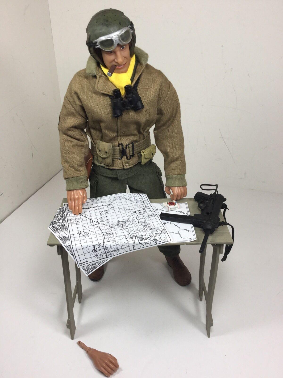 1 6 21ST CENTURY US 4TH ARMORED DIV TANK COMMANDER+TABLE&MAPS WW2 DRAGON BBI DID