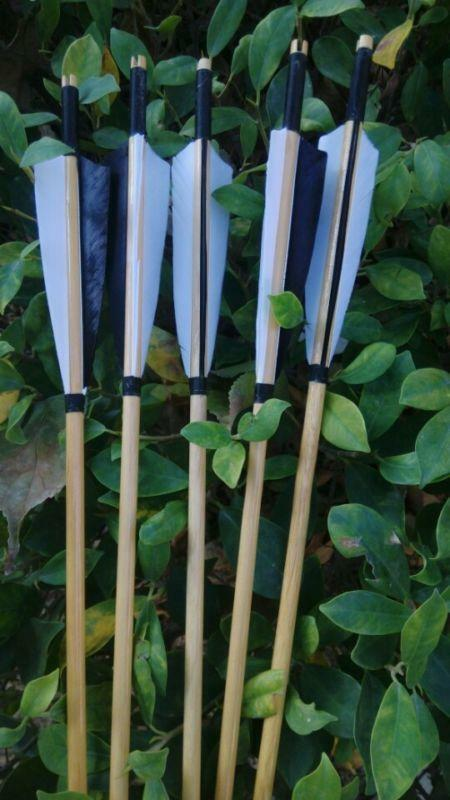 12pcs 80cm Archery Wooden Arrow + 5  Turkey Feather & Broadhead