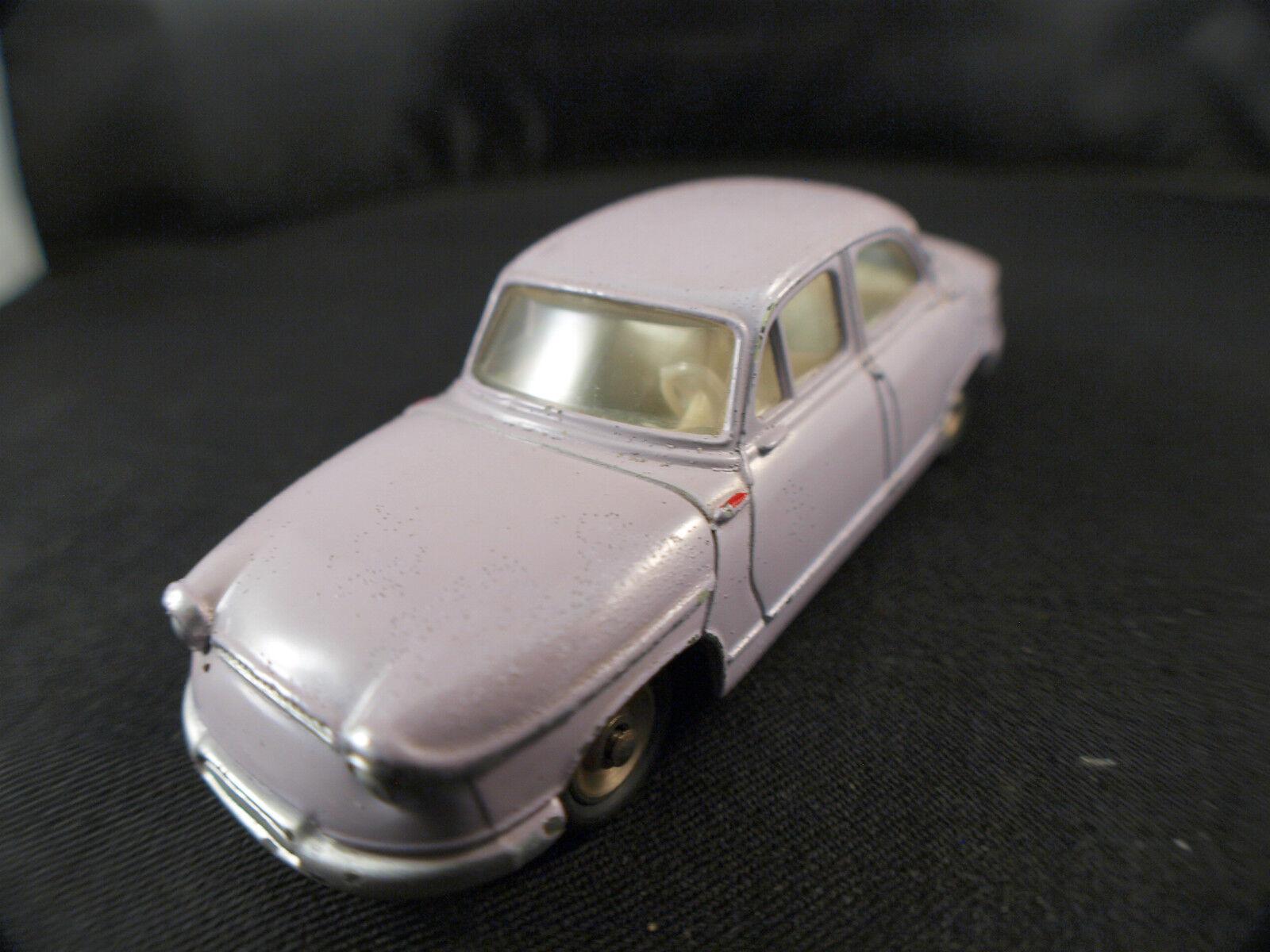 Dinky Toys F n° 547  PANHARD PL 17 version avec portières à 2 types d'ouGrünure