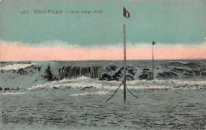 TROUVILLE-mar-gruesa-tiempo-de-verano