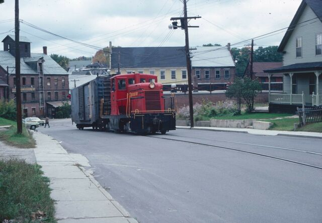 Original Kodachrome Slide of Claremont & Concord RR 44 tonner, street running.