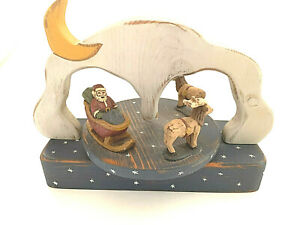 Vinatage Wolf Creek Folk Art Wood Santa And Reindeer Music Box Here Comes Santa