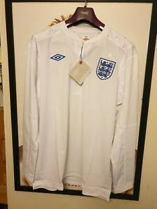 """BNWT 42/"""" Chest England 2010 Home Shirt by Umbro Limited Edition South Africa"""
