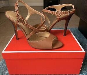 coach-heels-size-8