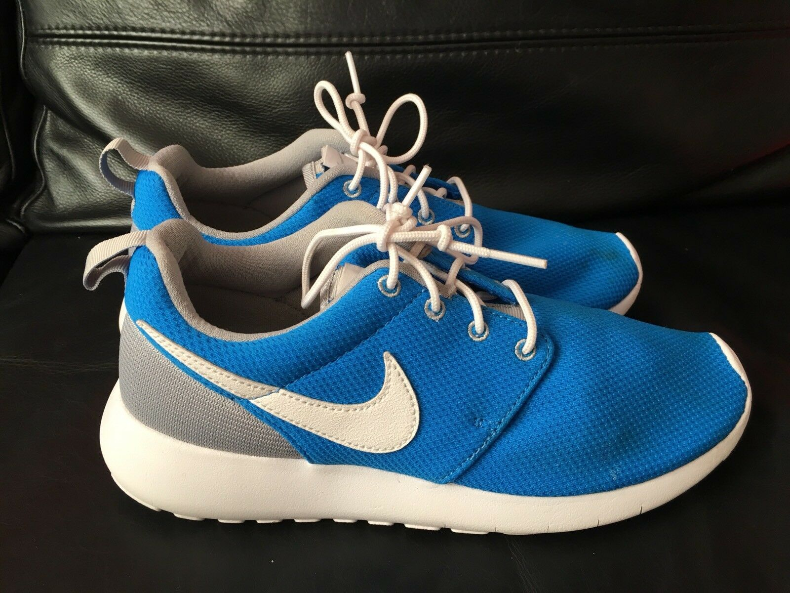 NIKE ROSHE RUN RUNNING SHOES TRAINERS BLUE SIZE