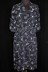 RARE-VINTAGE-1940-039-S-DARK-BLUE-SILKY-RAYON-PRINT-DRESS-SIZE-8