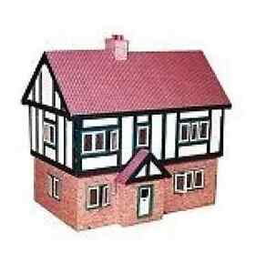 PLAN-TO-BUILD-LARGE-TUDOR-DOLLS-HOUSE-1-16-SCALE-1522-MODEL-HOUSE