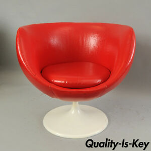 ... Vintage Mid Century Modern Red Pod Club Chair