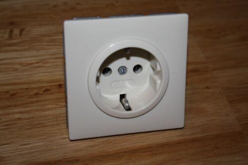 Dans Blanc Prise de courant 70 x 70 mm Gira standard ALT