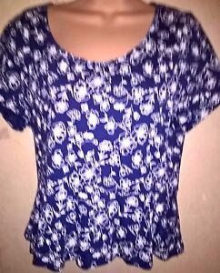 Nice-Navy-Floral-Patterned-Top-Size-S
