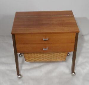 mid-century-design-60s-Teakholz-Naehtisch-Naehschrank-vintage-sewing-table-60er