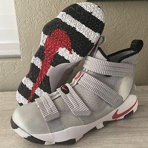 Nike Lebron Soldier XI 11 Men's Size 11