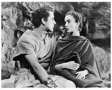 THE ROBE scene still RICHARD BURTON & JEAN SIMMONS -- (y452)