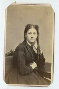 Vintage-CDV-Civil-War-Era-Woman-w-long-ringlet-s-by-McCosker-Boston-MA-N67