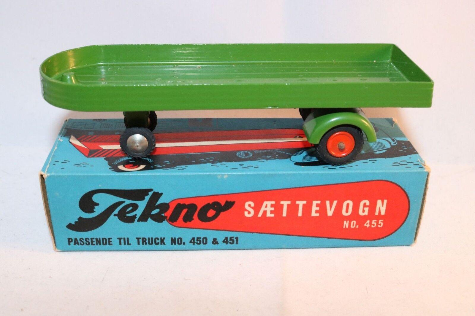 Tekno Denmark 455 Saettevogn - trailer green perfect mint in box
