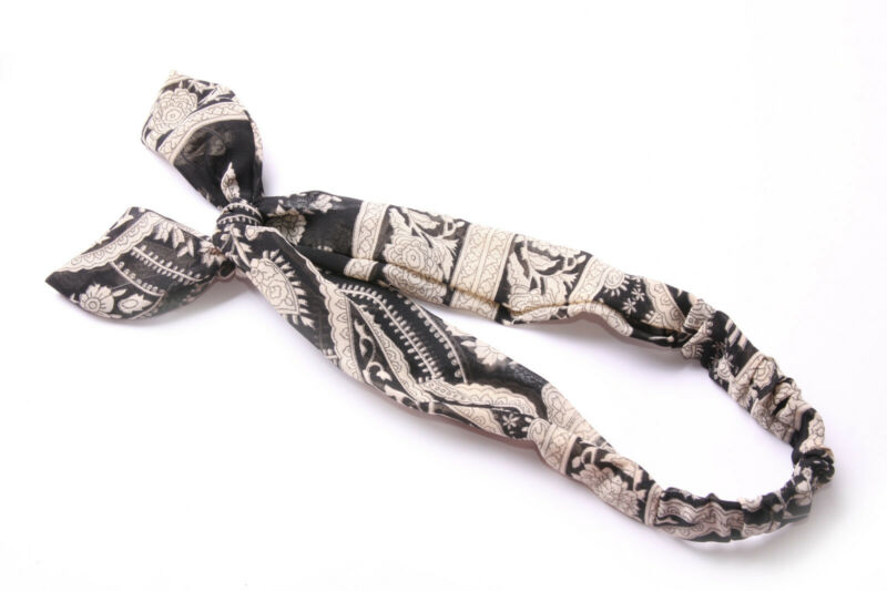 Light Black Elastic Headband W Beige Ancient Floral Pattern&wired Bow New (s623) Complete In Specifications
