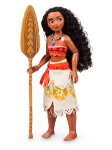 "NEW Disney Store Princess Moana Classic Doll 10 1//2/"" NIB With her Oar /& Necklace"