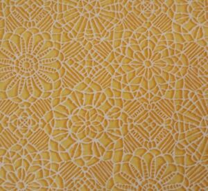 Amazing Lace BTY Studio 8 Quilting Treasures Green White 100/% Cotton Screenprint