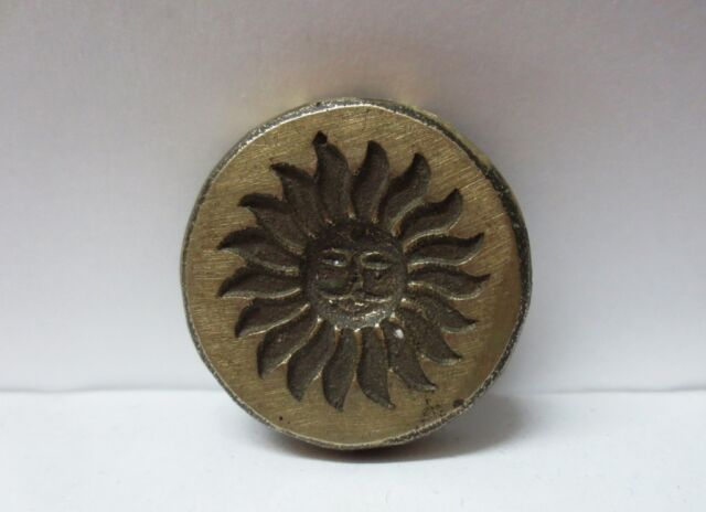VINTAGE INDIAN BRASS METAL JEWELRY MAKING TOOL MOLD STAMP SUN PATTERN V96