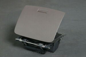 7P6857922-VW-Touareg-II-7P-Storage-Compartment-Tray-Car-Dashboard-Front