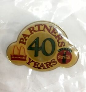 Coca-Cola-McDonald-039-s-40th-Anniversary-Advertising-Pin-New-Sealed