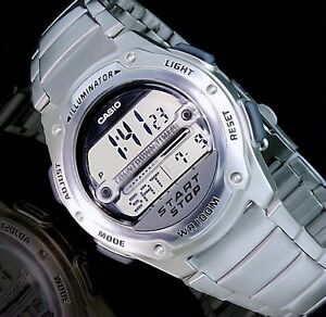 casio digital herrenuhr armband uhr silber farben. Black Bedroom Furniture Sets. Home Design Ideas