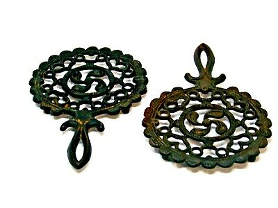"""VINTAGE BLACK CAST IRON /""""T-7 Tulip 9/"""" FOOTED TRIVET HANGING WALL DECOR"""