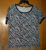 Rebecca Malone Black & White Print Top Size Small Short Sleeves
