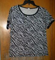 Rebecca Malone Black & White Print Top Size Small Short Sleeves