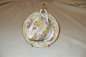 Royal-Albert-LOVELACE-Cup-and-Saucer-bone-china-Free-shipping-in-Canada