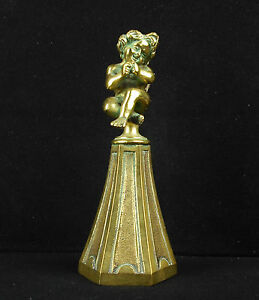 AgréAble Angelot Rieur Ou Moqueur Sur Son Piedestal Bronze Xixe Laughing Angel Sculpture