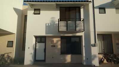Casa muy linda en Amberes con excelente ubicacion