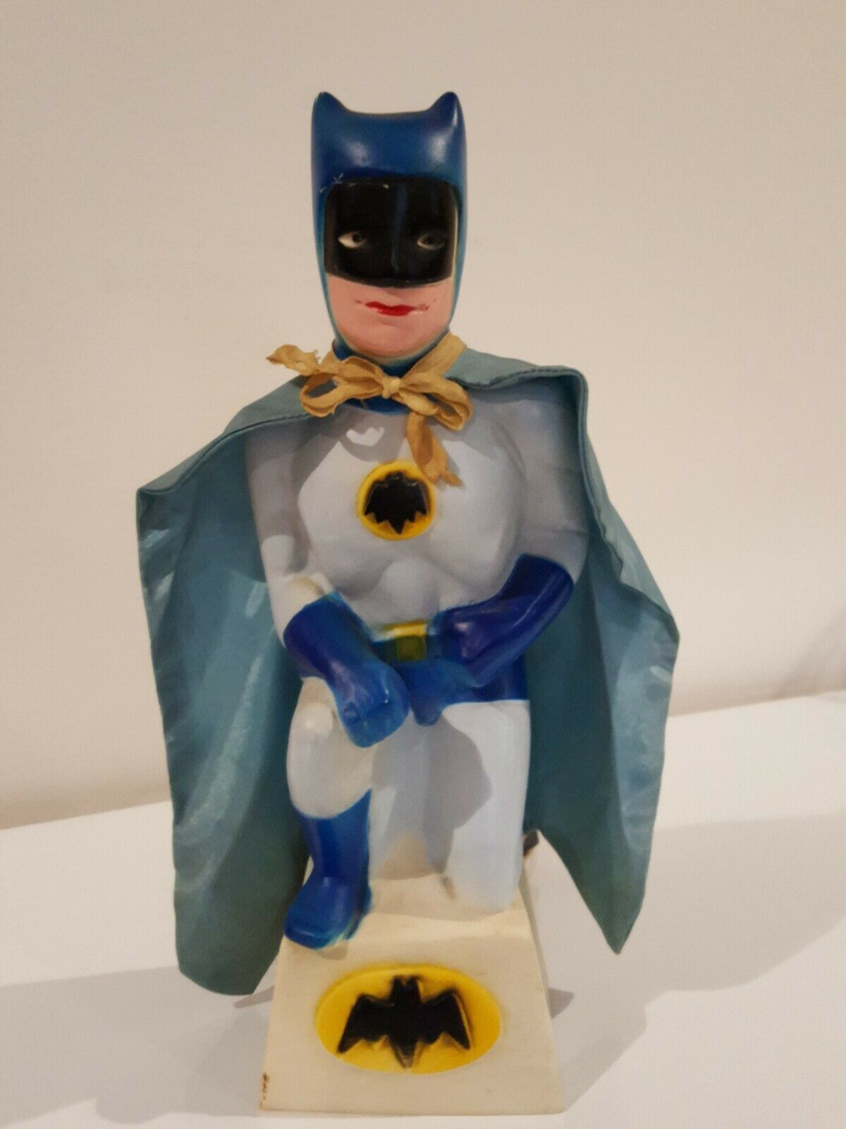 1966 RARE Adam West BATMAN vinyl Night Light Lamp w Cape