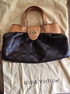 089d6d18cfc4 Image is loading Louis-Vuitton-Boetie-Pm-Monogram-Canvas-Purse-Excellent-