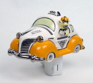 Henry-Cavanagh-Spikes-Cab-Taxi-Cab-Fat-Fender-Car-Ceramic-3D-Night-Light-Bulldog
