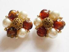 VINTAGE 50'S SIGNED LISNER AMBER BROWN LUCITE PEARL BEAD CLUSTER EARRINGS