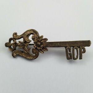 Vintage-GOP-Pinbacks-Button-Key