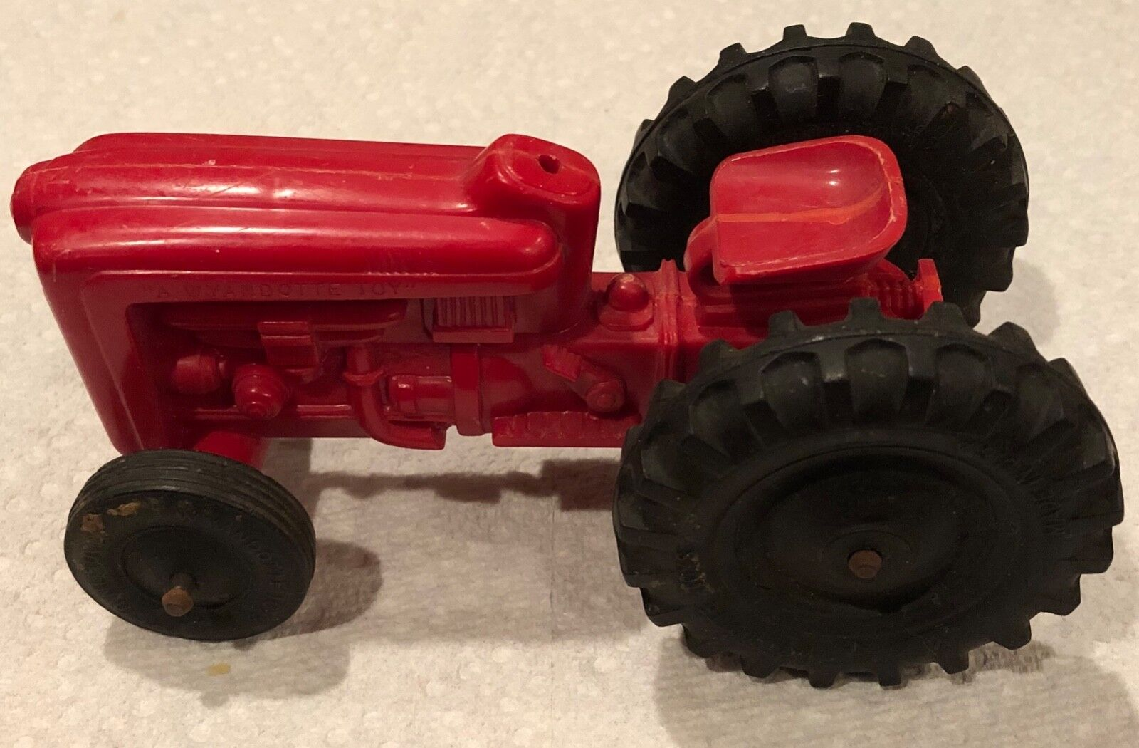 Extremely RARE Vintage Wyandotte Toys Red Tractor HTF